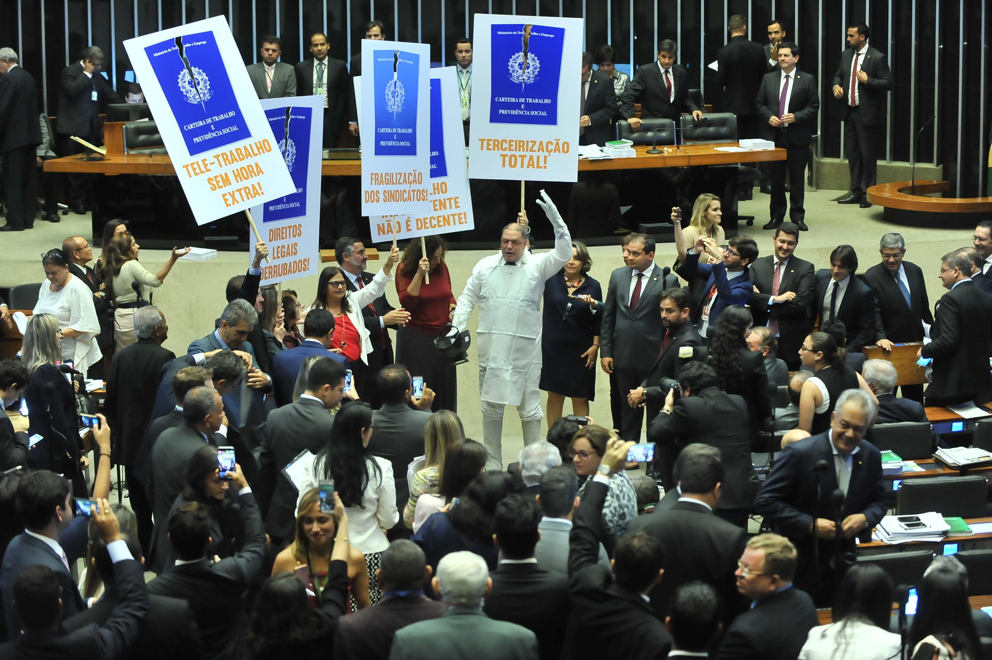Deputados discutem reforma trabalhista no plenário da Câmara. Foto: J.Batista / Câmara dos Deputados