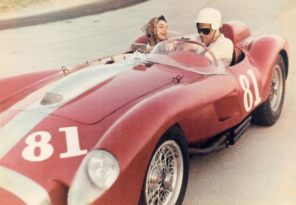 As duas Ferrari Testa Rossa da escuderia Lagartixa foram longe. Uma venceu a corrida da inauguração de Brasília, com o sopro de Juan Manuel Fangio. Aoutra disputa meio século depois o recorde mundial de preço em leilões de automóveis