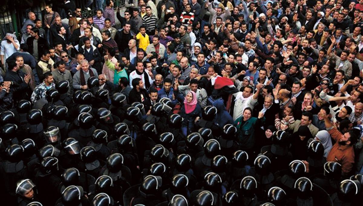 """A experiência egípcia mostra que as divergências entre islâmicos e seculares foram atenuadas e eles podem se unir para obter objetivos comuns. O canto ouvido na praça Tahrir – """"A Tunísia é a solução"""" – poderá eclipsar o slogan da Irmandade Muçulmana, """"O Islã é a solução"""""""