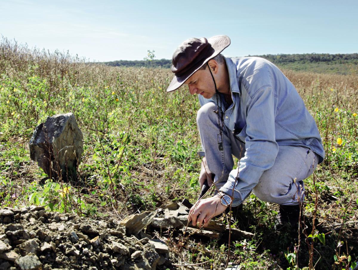 O paleontólogo Alexander Kellner é o principal estudioso dos pterossauros encontrados na Chapada do Araripe, no Nordeste brasileiro, onde está um dos mais ricos depósitos de fósseis de répteis extintos em todo o mundo. Suas pesquisas já lhe renderam mal-entendidos e até uma prisão