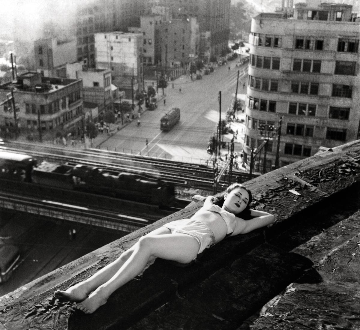 """As """"garotas <i>panpan</i>"""", prostitutas autônomas do Japão, eram apontadas como símbolo da degradação nacional, mas provocavam fascínio. Sua situação era muito melhor do que a da maioria dos cidadãos sem-teto, famintos e empobrecidos"""