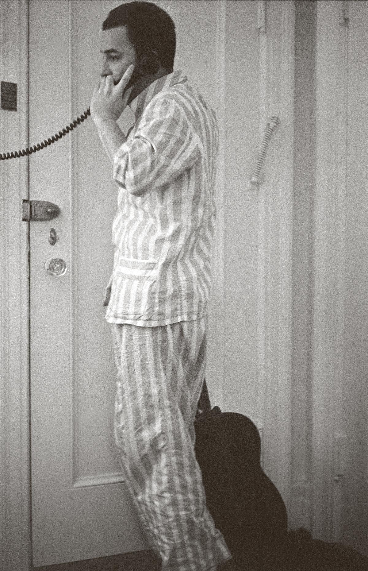 O Opportunity espera lucrar com o relançamento dos primeiros discos de João Gilberto; mesmo depois de aceitar receber 10 milhões do banco, o cantor hesita
