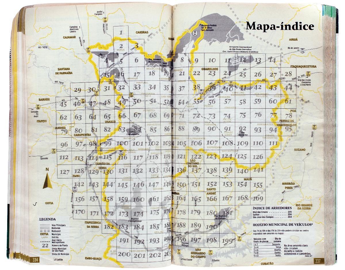 Tuca Vieira produz uma foto para cada seção de um guia de ruas de São Paulo, identificada por um número no mapa ao lado