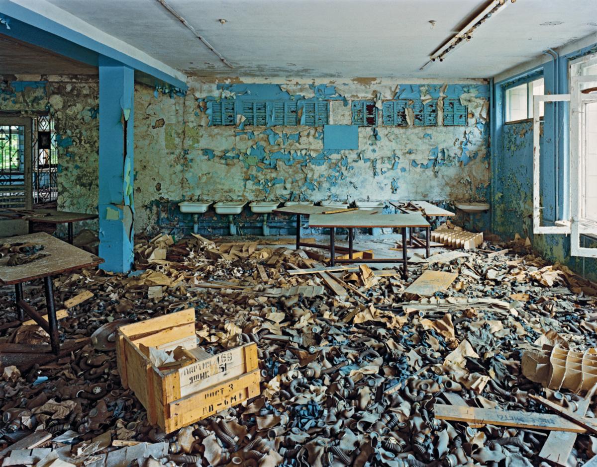 Chernobil é uma catástrofe do tempo. Os radionuclídeos espalhados sobre nossa terra viverão 50, 100, 200 mil anos. Ou mais. Do ponto de vista da vida humana, são eternos. Está dentro da nossa capacidade reconhecer um sentido nesse horror?