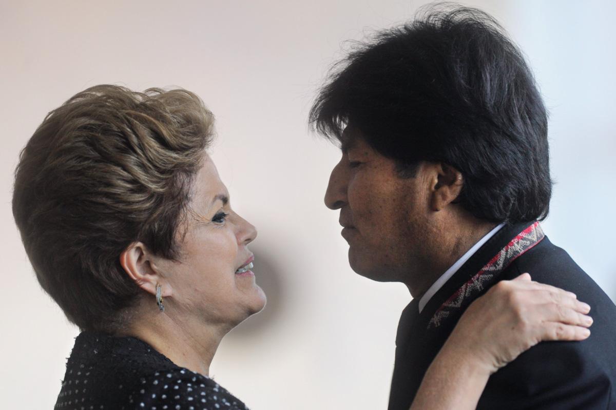 Dilma fez concessões a Morales esperando obter a saída do asilado da embaixada em La Paz, e acabou surpreendida pela ação de um diplomata em conflito com o chanceler Antonio Patriota