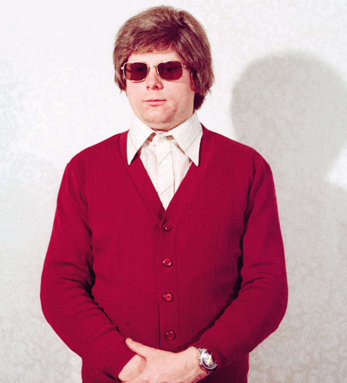 """O sujeito arrumadinho, descrito pela <i>Spiegel</i> como um """"filhinho de papai"""", é um dos disfarces sugeridos a espiões da Stasi num seminário"""