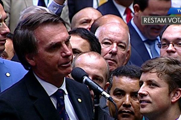 Entre os mais ricos, Bolsonaro lidera corrida presidencial