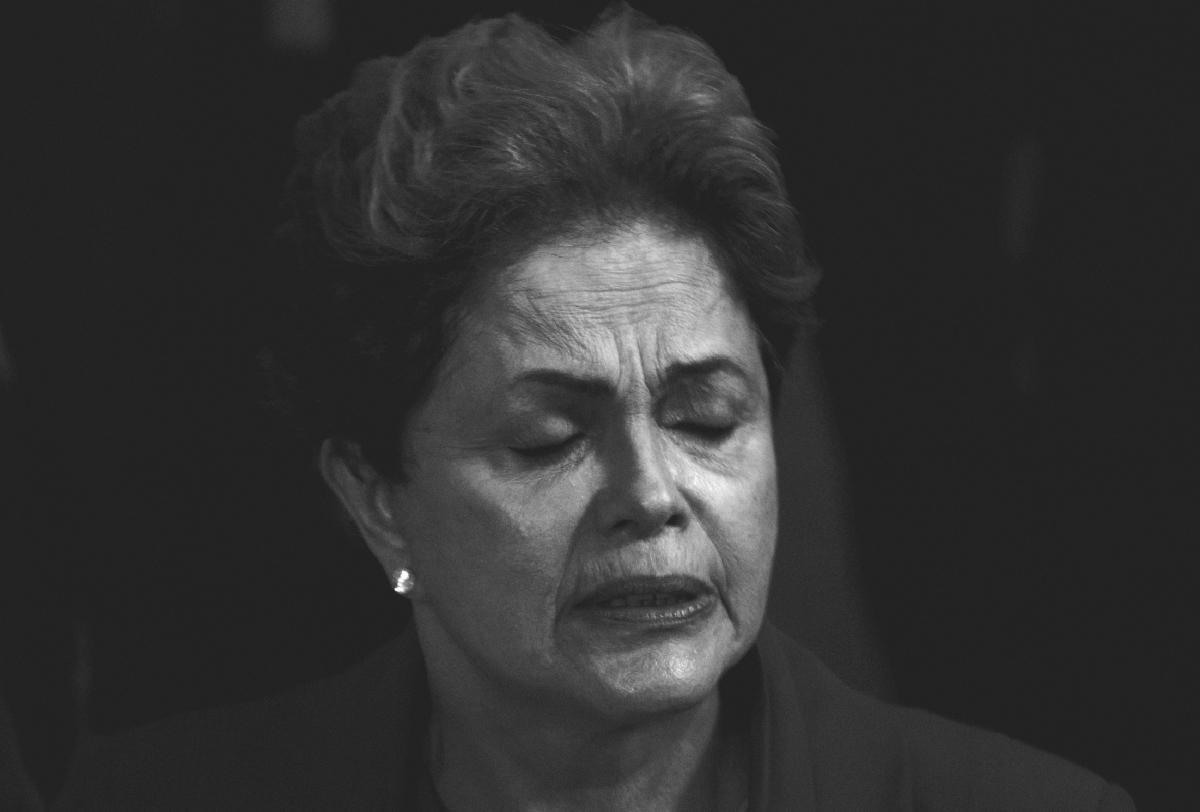 Em 9 de março de 2015, um dia depois do primeiro panelaço, Dilma conversou com jornalistas e deu sinais de que a crise havia se agravado ao mencionar, pela primeira vez, o impeachment