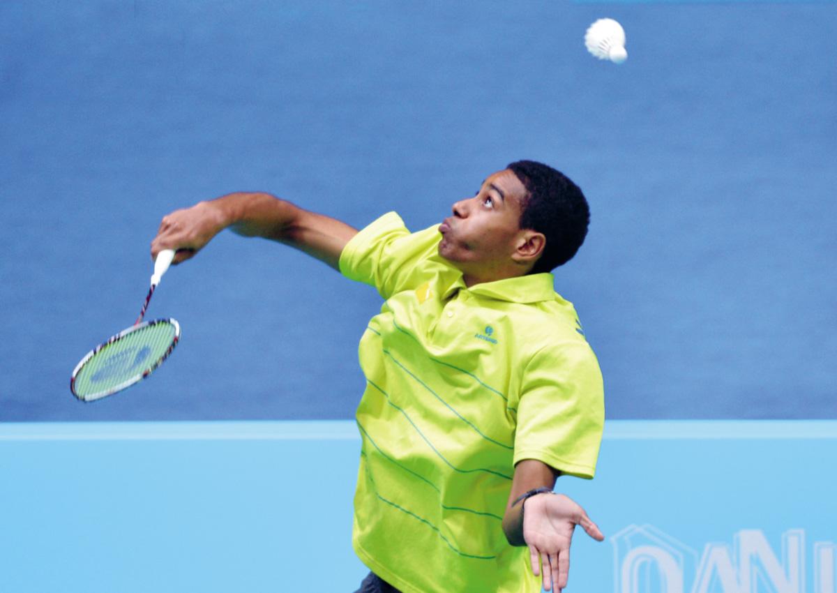 """""""Badminton é como uma dança. Cada atleta tem sua coreografia"""", diz Ygor Coelho. Ele costumava praticar o esporte dentro de uma piscina vazia"""