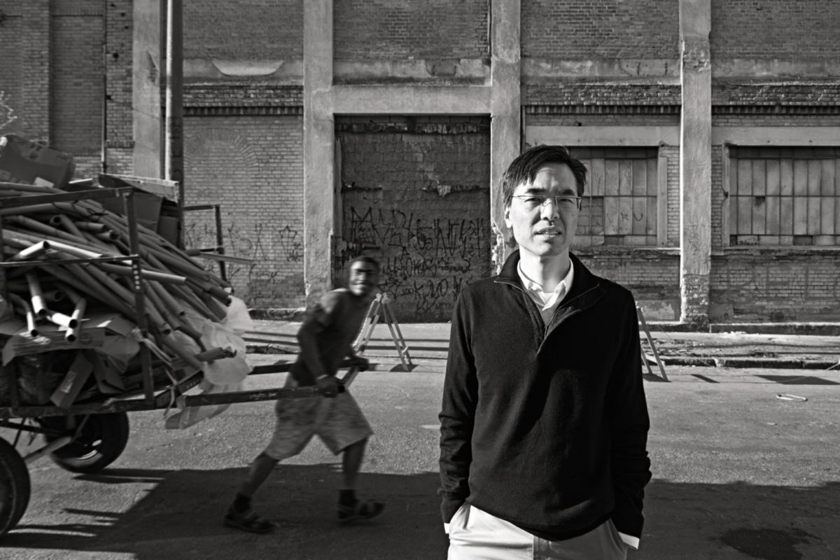 """Ex-pianista, Philip Yang fez fortuna com petróleo e gás, mas afirma que só se realizou e encontrou """"voz própria"""" ao idealizar grandes projetos urbanísticos. """"Adquiri um desprendimento que nunca tive. Nunca toquei piano com desprendimento. É a primeira vez, em cinquenta anos, que eu sinto isso"""""""