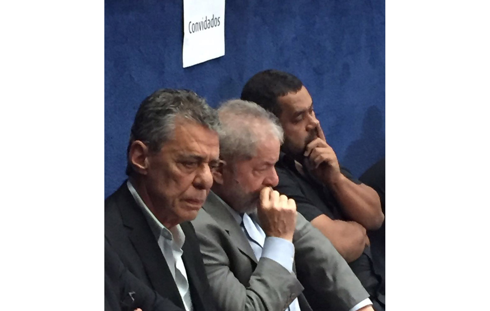 """""""Não é sempre que a gente consegue trazer o Chico para o Senado"""", diz Lula"""