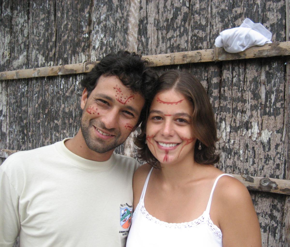 Casados há três anos e morando há dez meses em Iauaretê, Felipe Addor e Julia Rodrigues encontraram uma Amazônia onde o forró chegou às aldeias indígenas antes do papel higiênico