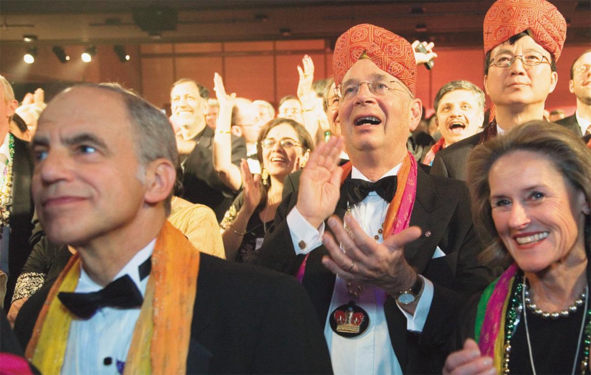 O conclave, em júbilo cósmico, comemorou o momento que a lua transitou por capricórnio