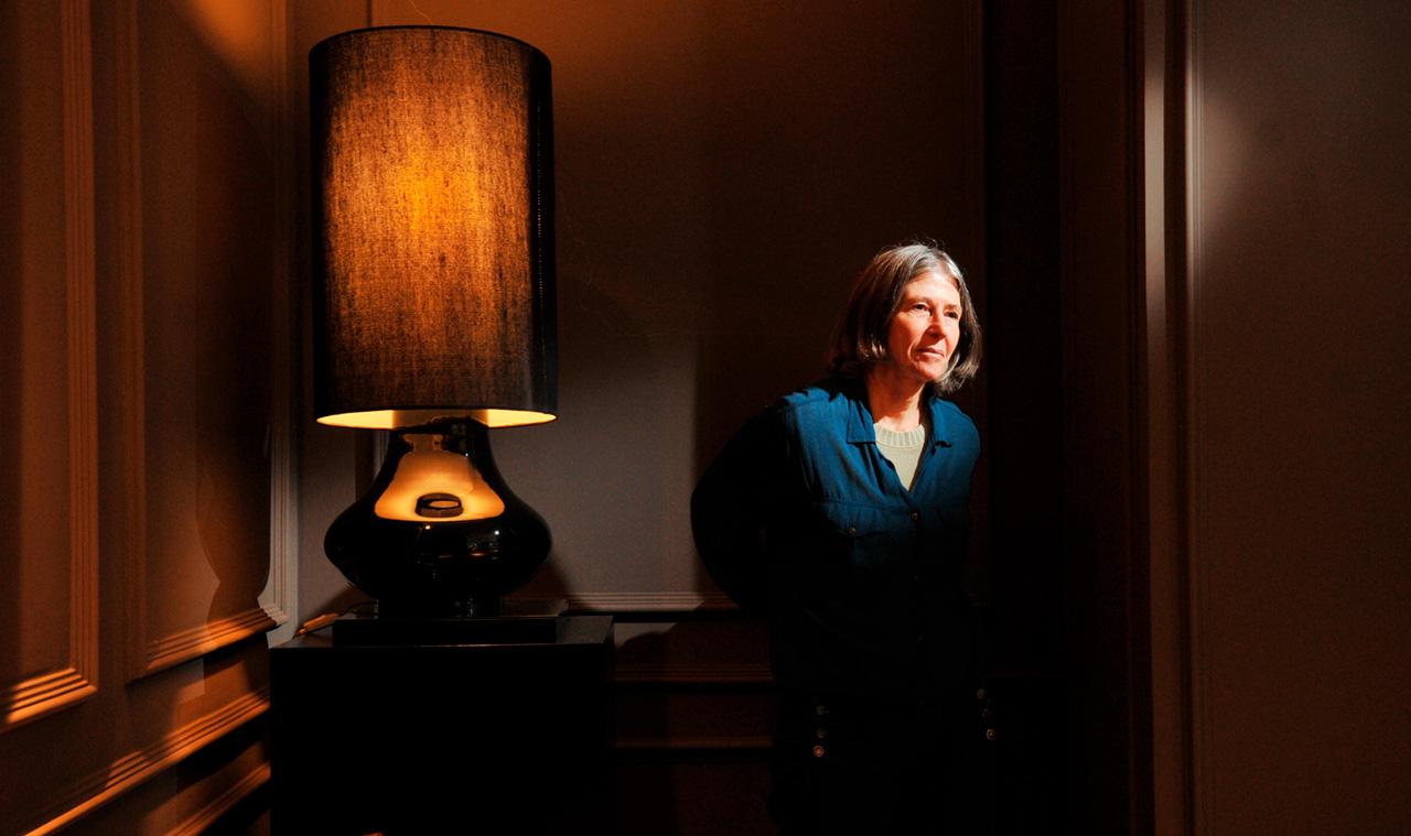 Elvira Vigna (1947-2017). Sua morte pegou o mundo literário de surpresa. Diagnosticada em 2012 com carcinoma micropapilar invasivo, ela manteve a doença oculta do público.