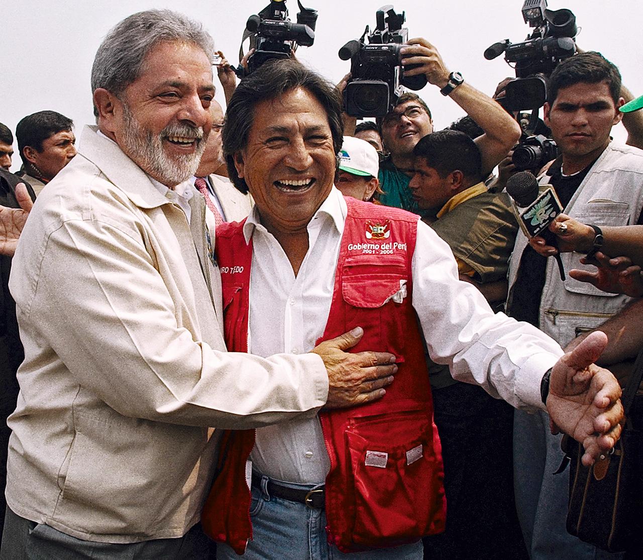 A fines de 2005, Lula y Toledo se reunieron para inaugurar un tramo de la Interoceánica, que comunicaría a Brasil con el Pacífico. Presupuestada en 800 millones de dólares y capitaneada por Odebrecht, la carretera terminaría costando 2,3 mil millones al Tesoro peruano