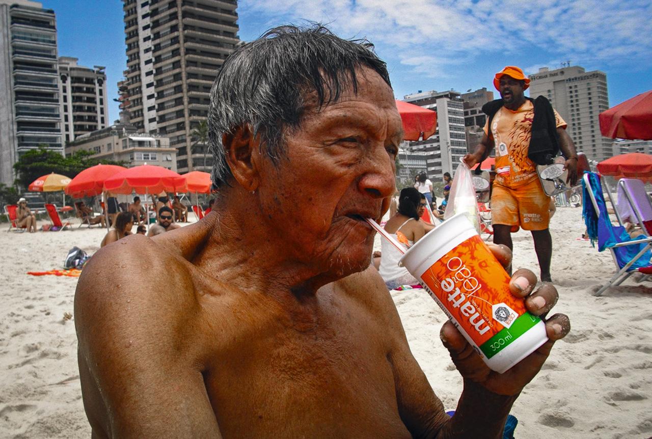 Quando visitava o Rio, Paletó preferia as ruas movimentadas, como a Nossa Senhora de Copacabana, às transversais mais estreitas e tranquilas, pois gostava da multidão, de ver as pessoas se esbarrando. Dizia que pareciam cardumes de peixes