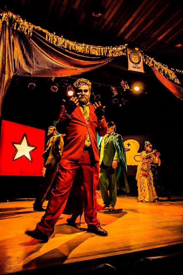 Cena da peça  <i>Lava Jato, Comédia do Poder</i>.