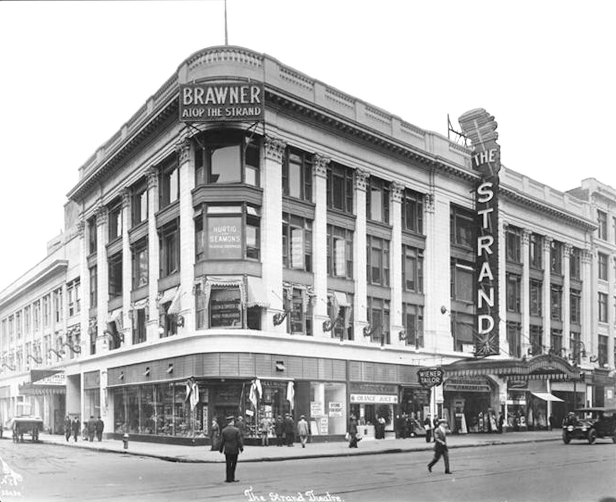 Cartão-postal do Strand Theatre, datado de 1914