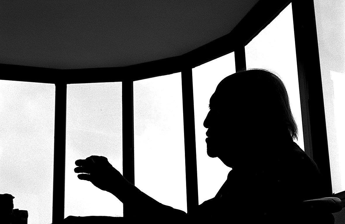 Niemeyer em seu escritório na Avenida Atlântica, onde trabalhou por quase 60 anos, em foto de 2004