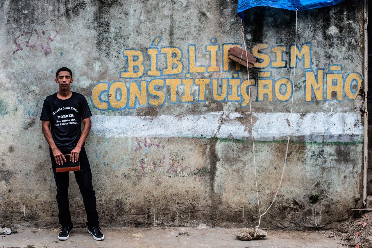 """Matheus Ribeiro, um dos seguidores da Geração Jesus Cristo. Eles acreditam que a Lava Jato estourou """"como fruto direto de nossas orações"""""""