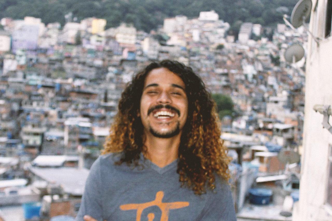 O escritor carioca Geovani Martins, de 26 anos