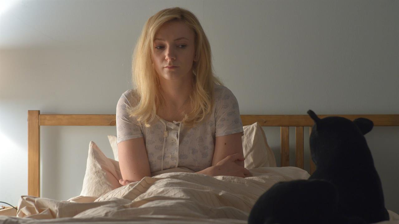 A atriz Alexandra Borbély interpreta a personagem Maria no novo longa de Ildikó Enyedi
