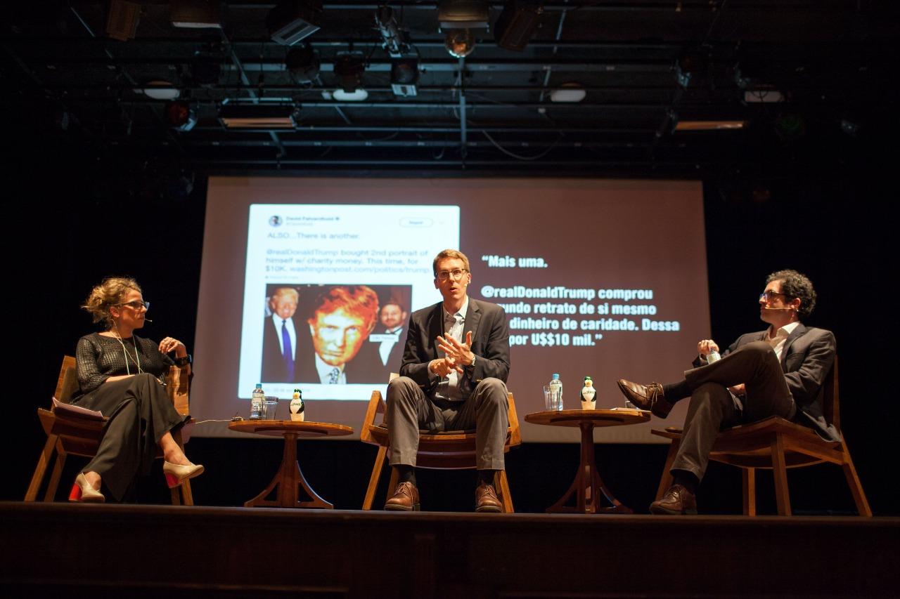 O repórter David Fahrenthold, ganhador do prêmio Pulitzer de reportagem em 2017, é entrevistado no Festival Piauí Globonews de Jornalismo do ano passado.
