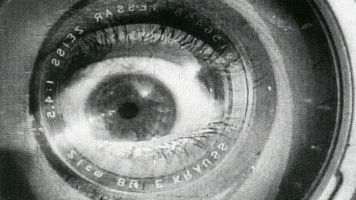 Imagem do filme <i>Um Homem com uma Câmera</i> (1928-29), de Vertov
