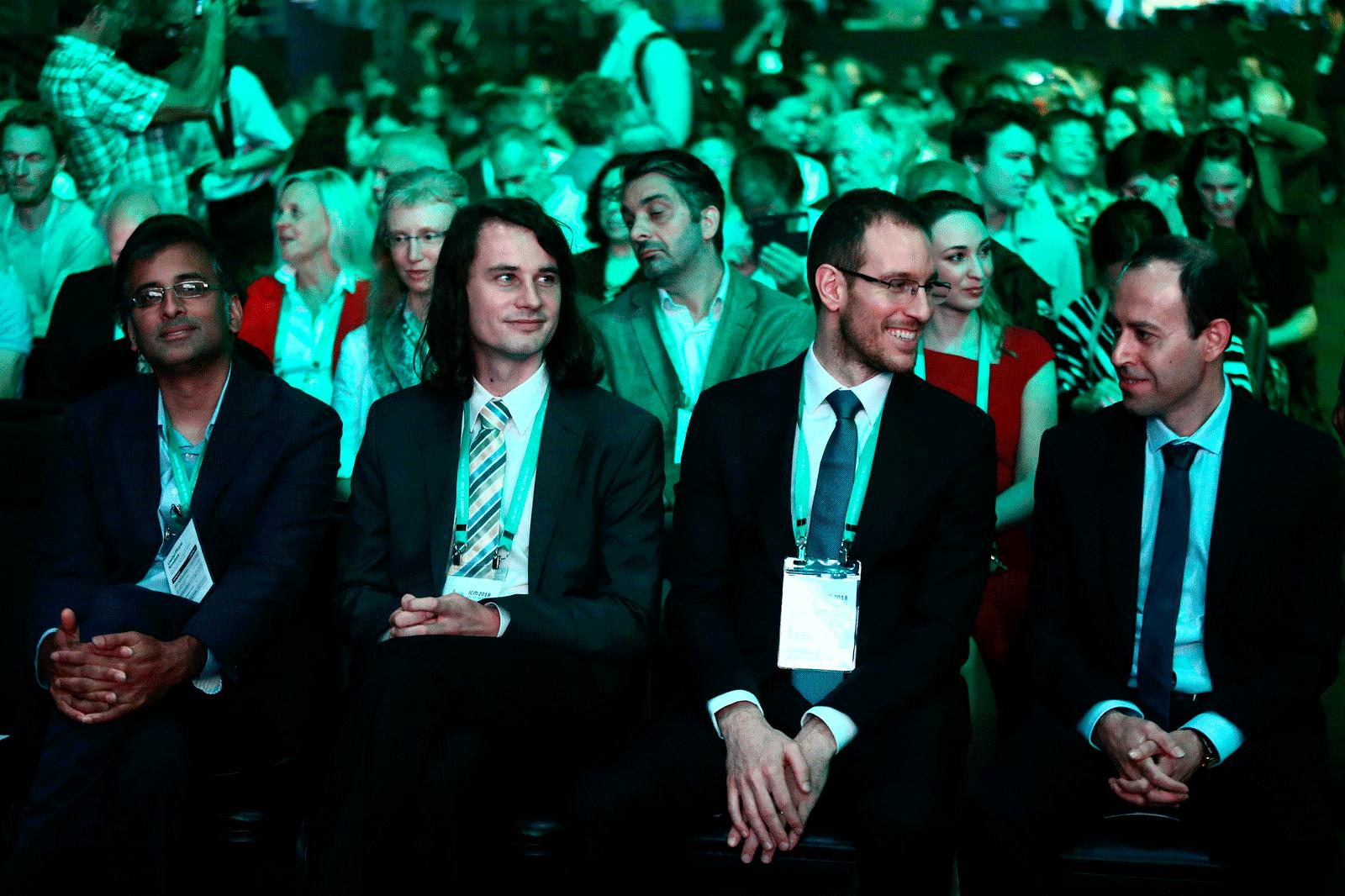 Da esquerda para a direita, os vencedores: Venkatesh, Scholze, Figalli, Birkar