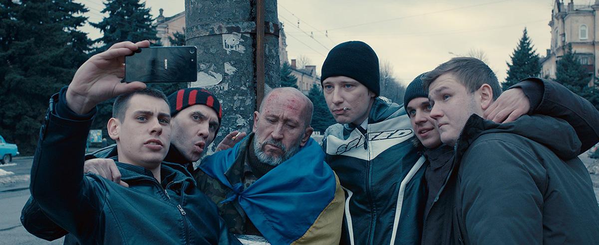 """Em 2012, Loznitsa declarou: """"A guerra não faz parte da minha vida, mas está no meu sangue."""" Mal sabia ele que dois anos depois isso mudaria de figura quando o governo da Ucrânia foi deposto e tropas russas ocuparam o leste do país"""