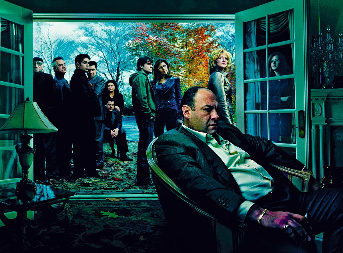 """<i>Família Soprano</i> abriu uma porta para o experimentalismo televisivo. Porém, mal essa porta foi aberta, fecharam-na de novo. O olhar contemplativo foi substituído pelo ritmo """"thrilleresco""""; a distância analítica, pela imersão escapista"""