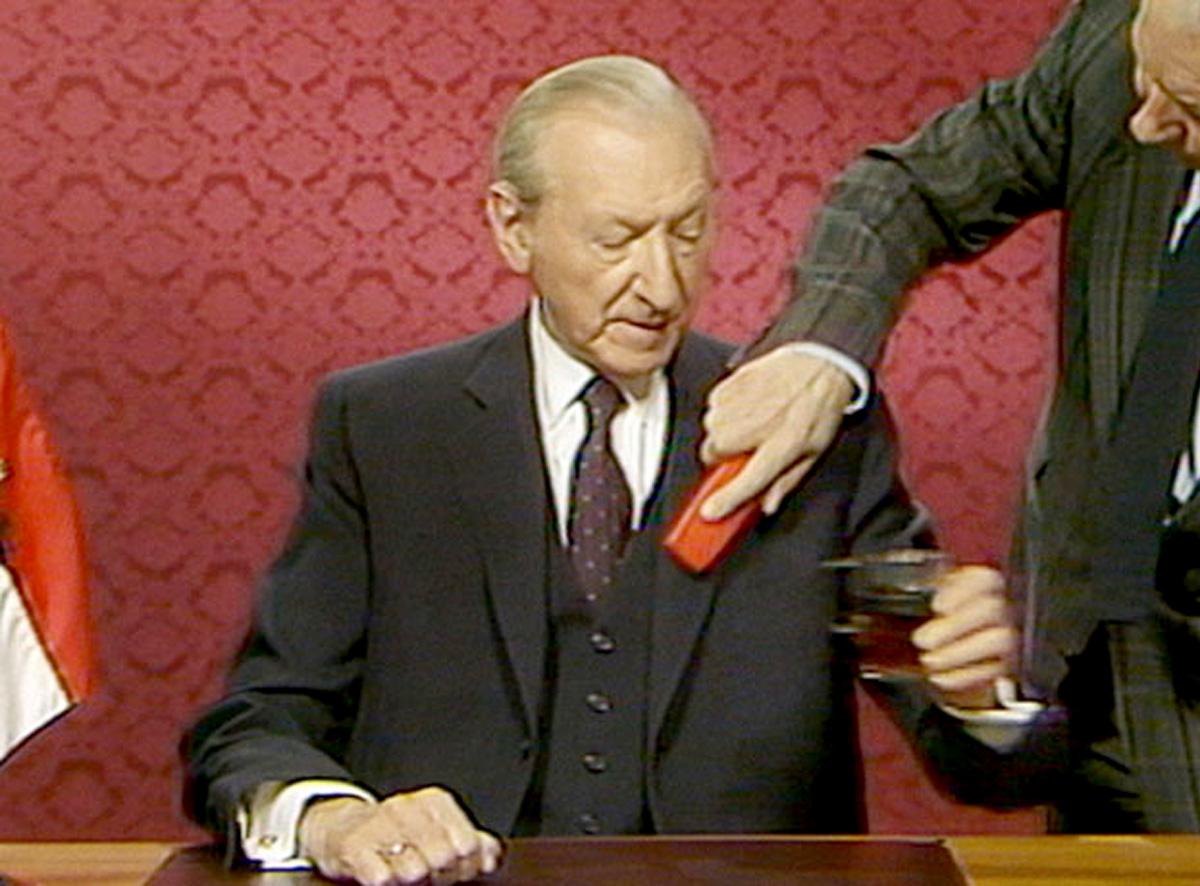 O passado de Waldheim, suspeito de envolvimento também em outros feitos comprometedores durante a Segunda Guerra Mundial, permaneceu encoberto durante quarenta anos