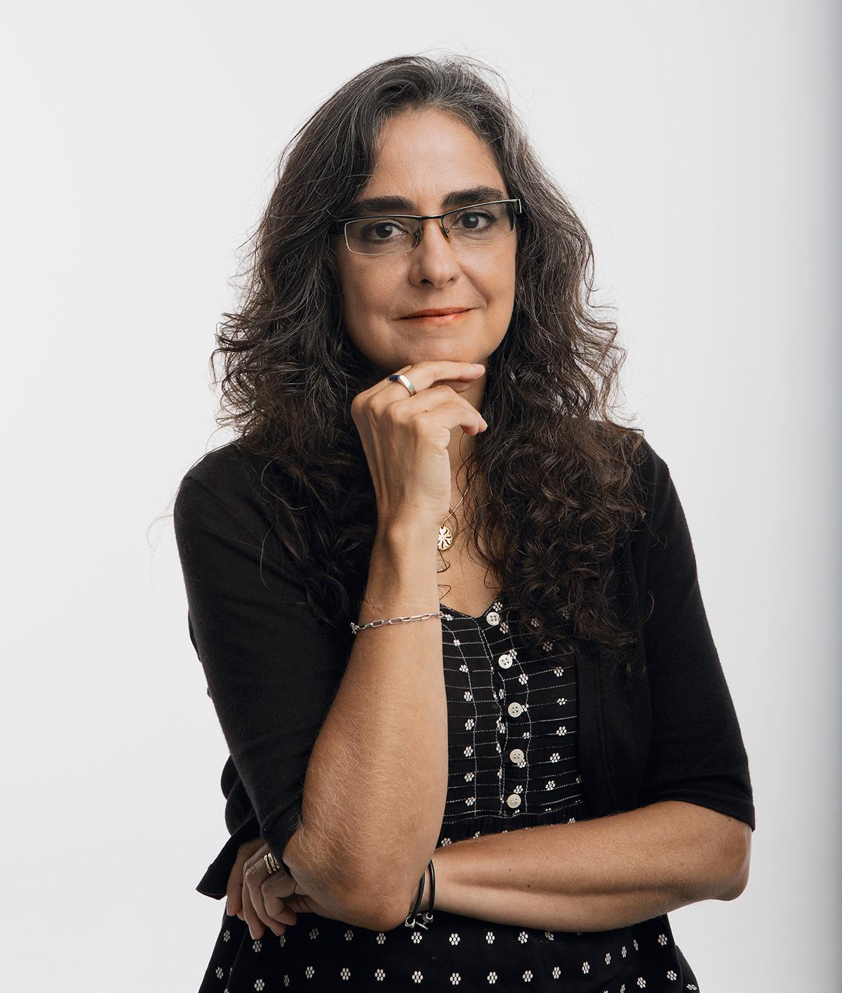 Marcia Castro usa imagens de satélite, modelos matemáticos e outras ferramentas para estudar a transmissão de doenças. É a primeira mulher a virar professora titular de seu departamento