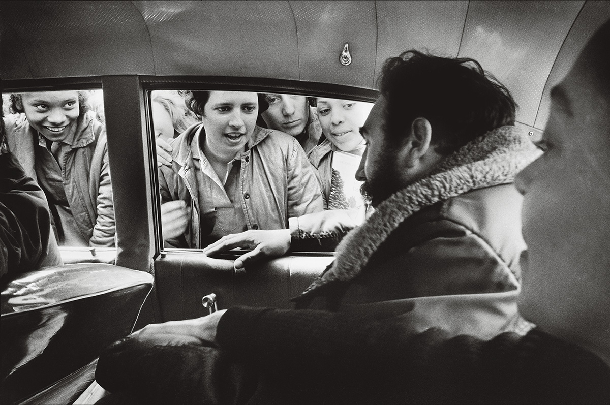 """Um dia, Fidel Castro se lembrou do açúcar, base da riqueza da ilha e sua maldição. Inicialmente, a Revolução quis pôr fim à monocultura. Mas, em 1969, Castro proclamou: """"Esqueçam o que eu disse. Ano que vem, Cuba será o maior produtor do mundo"""""""