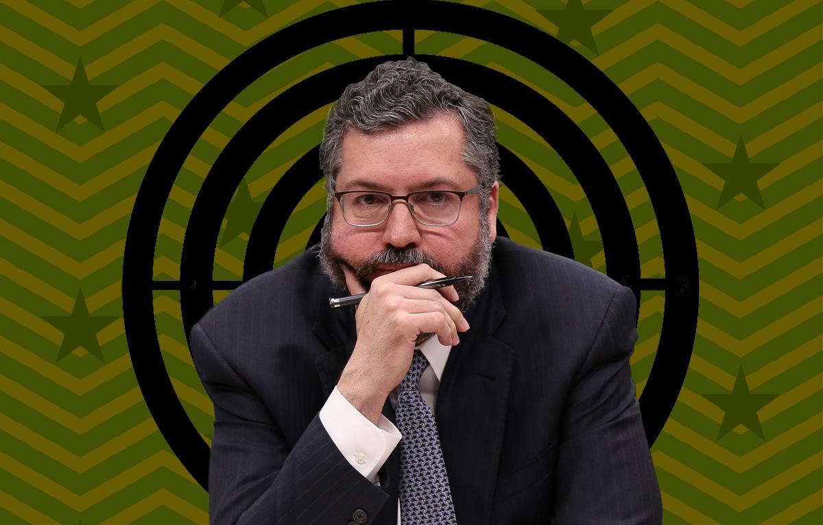 O chanceler Ernesto Araújo: embaixador vive conflito aberto com ala militar
