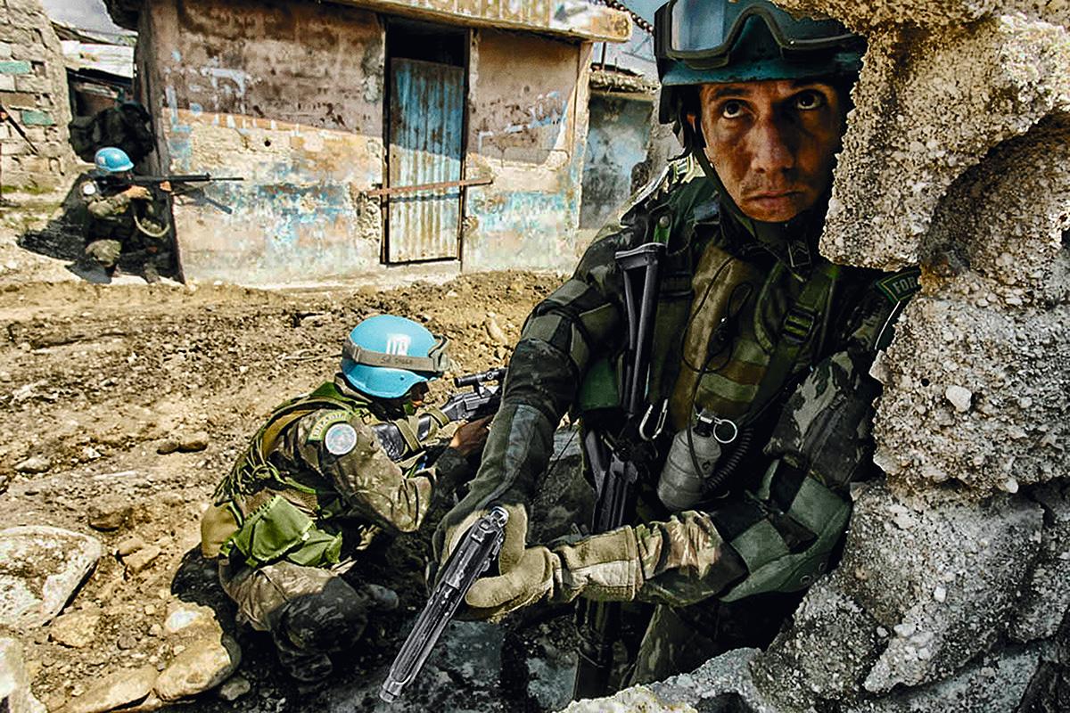 """Uma analogia formulada pelo general Augusto Heleno sintetiza o sentimento geral dos militares sobre a atuação dos brasileiros no Haiti, entre 2004 e 2017: """"Eu era um médico sem doente. A missão de paz foi o doente da minha carreira"""""""