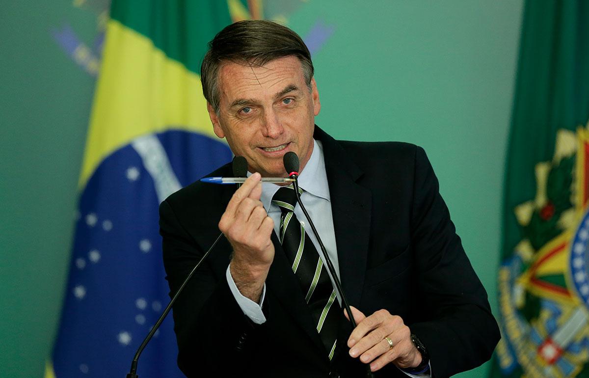 Bolsonaro inclui academias e salões de beleza na lista de atividades essenciais