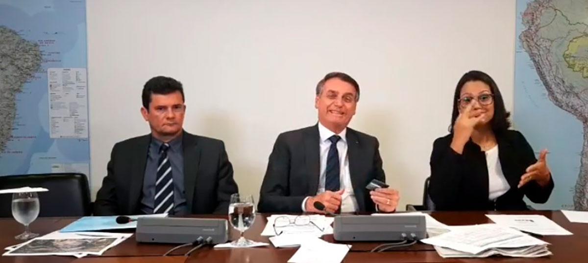 Pela brincadeira, Bolsonaro ficará de castigo na sala da presidência por quatro anos