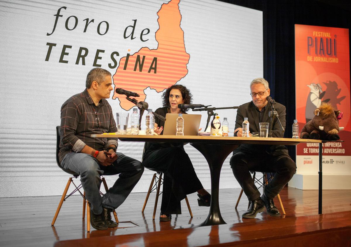 Fernando de Barros e Silva, Malu Gaspar e José Roberto de Toledo apresentaram a edição especial do <i>Foro de Teresina</i> durante o Festival Piauí