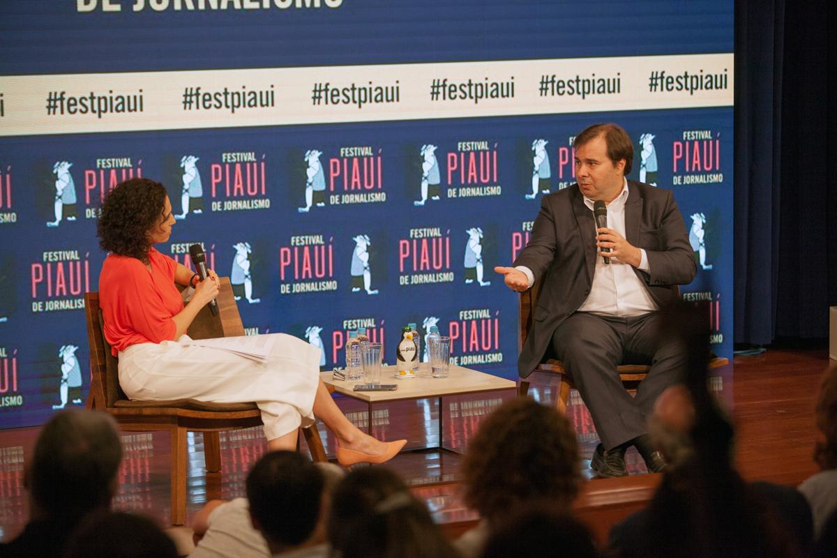 Malu Gaspar entrevista o presidente da Câmara, Rodrigo Maia, na Conversa com a Fonte