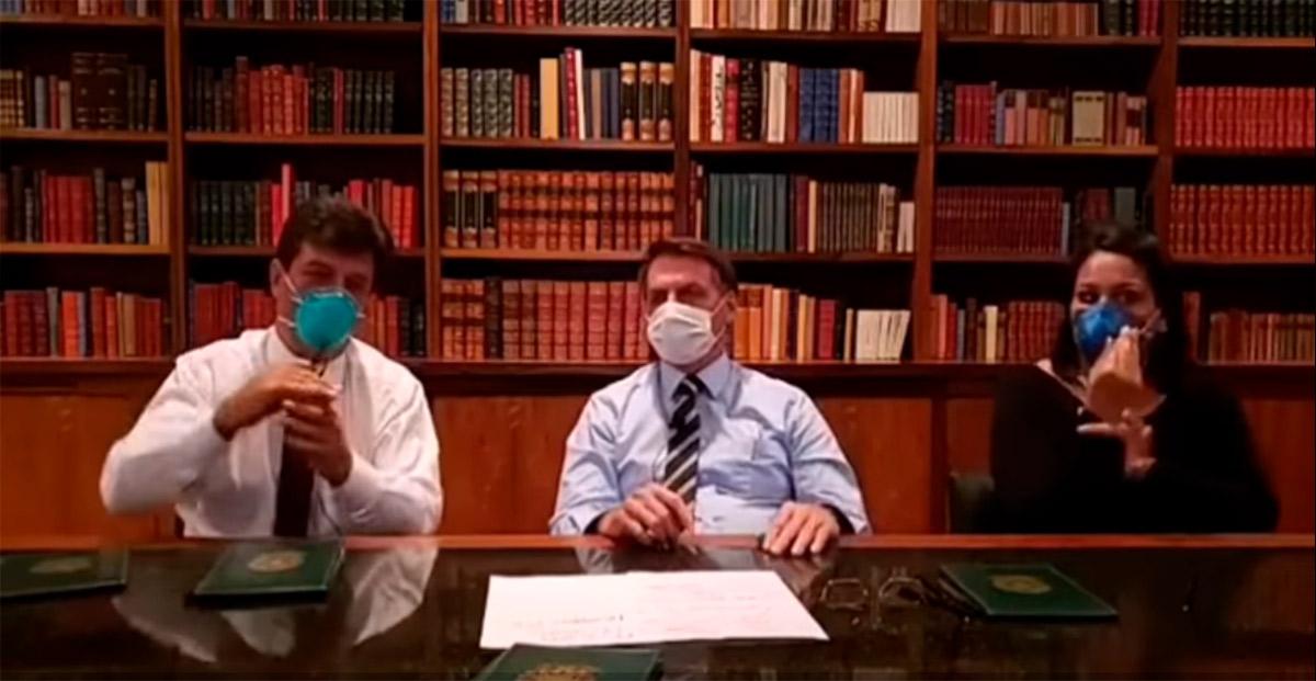 Jair Bolsonaro e o ministro da Saúde  Henrique Mandetta durante live no Facebook
