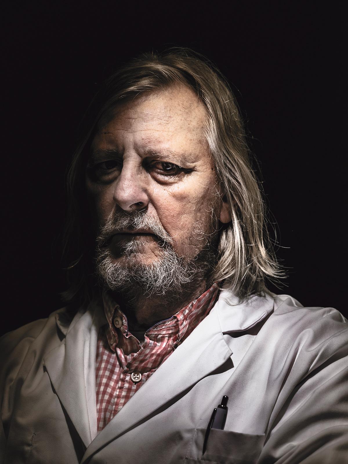 """Didier Raoult: """"Já inventei uns dez tratamentos. Metade deles é empregado no mundo todo. Nunca fiz um estudo duplo-cego, nunca. Nunca!"""""""