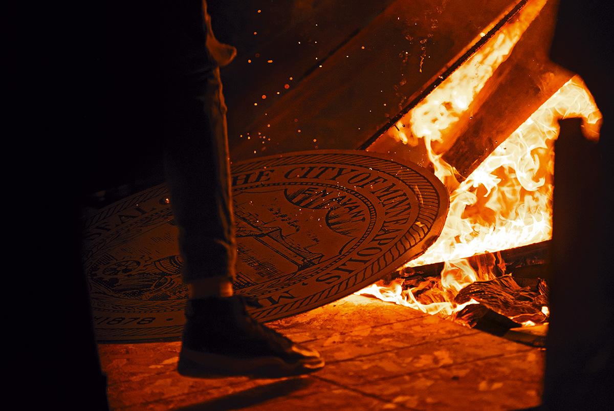 O fogo das contradições