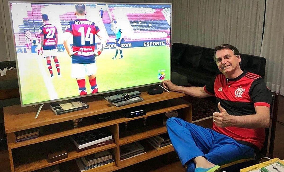 Em último caso, Bolsonaro cogita sugerir a nomeação do filho Zero Quatro para o posto de técnico, por sua experiência no Playstation