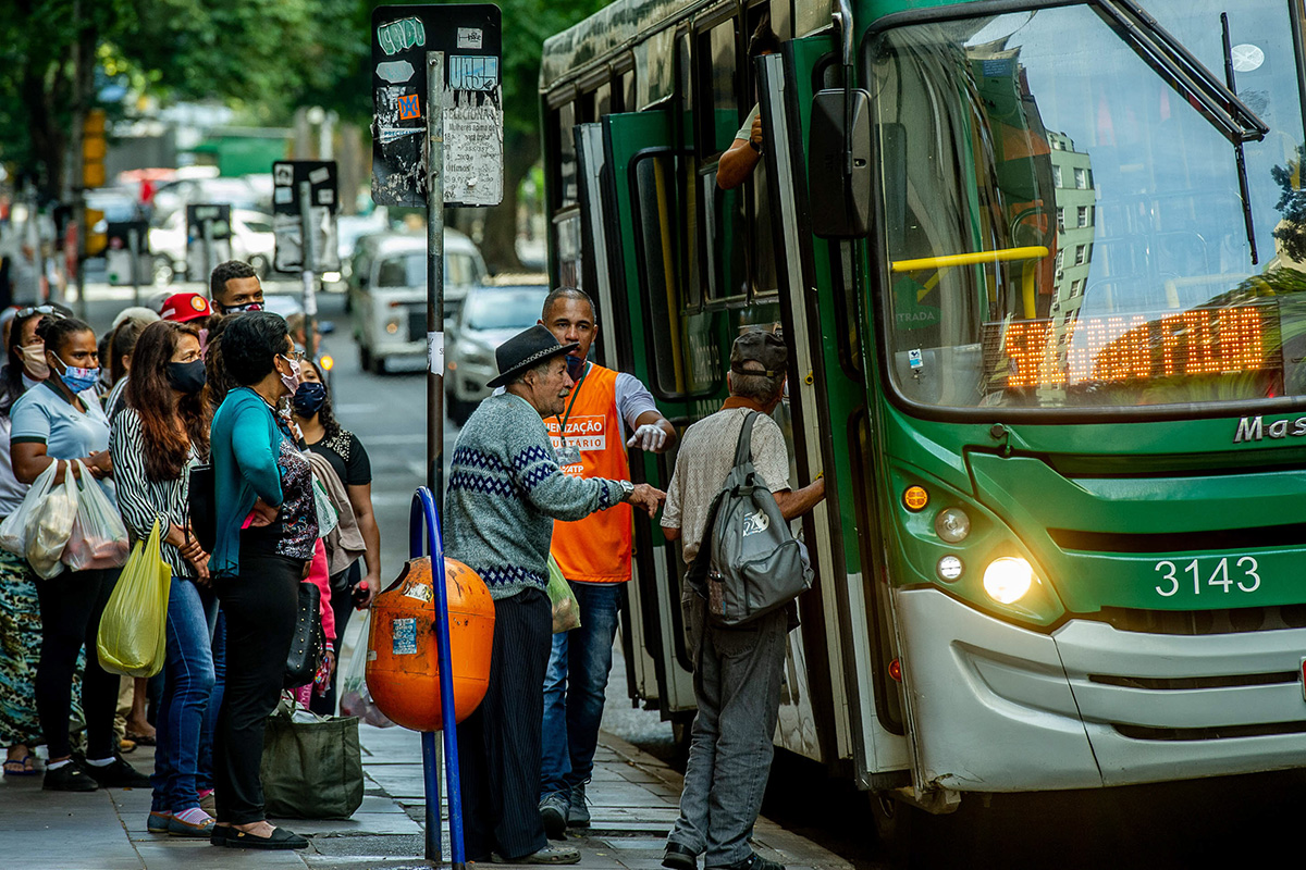 pandemia, ônibus, SUS