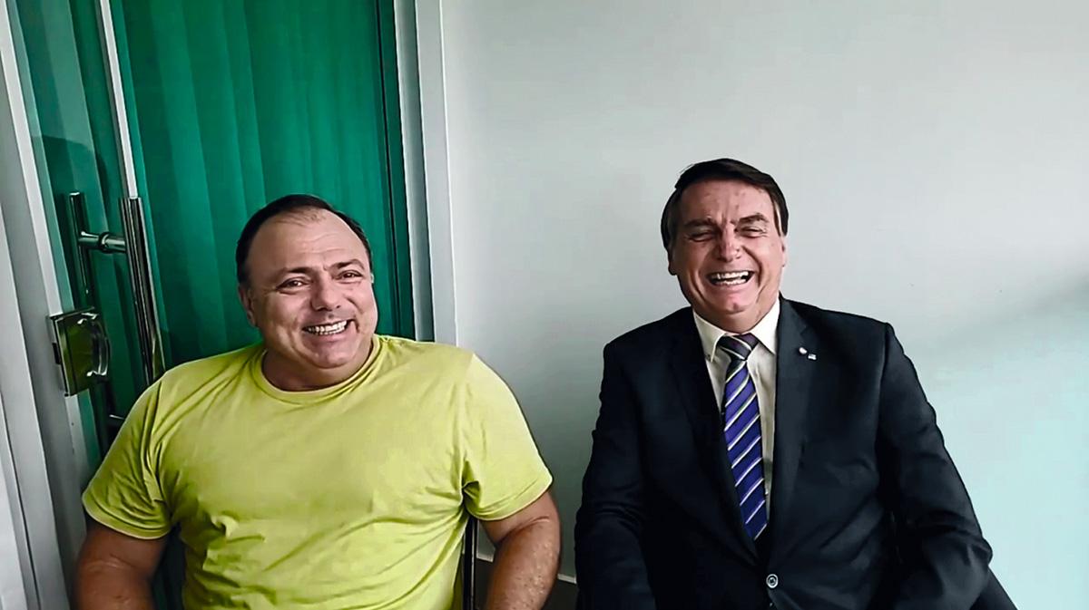 Pazuello, depois de ser desautorizado em público por Bolsonaro: agora, com marketing pessoal