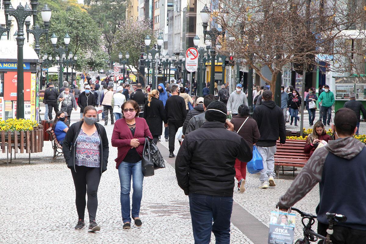 Rua XV, em Curitiba, no Paraná –
