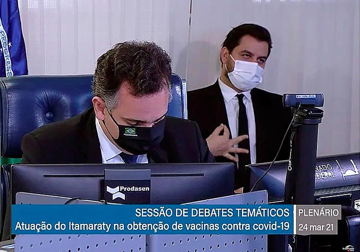 Fontes indicam que Martins está mais uma vez prestes a cair após propor um curso de reciclagem – palavra proibida no governo – aos servidores da PF