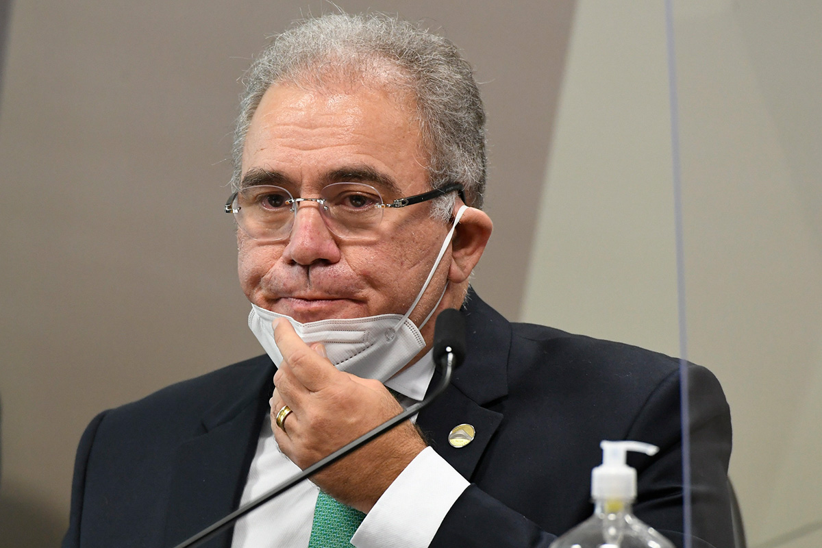 O ministro Marcelo Queiroga na sessão da CPI –