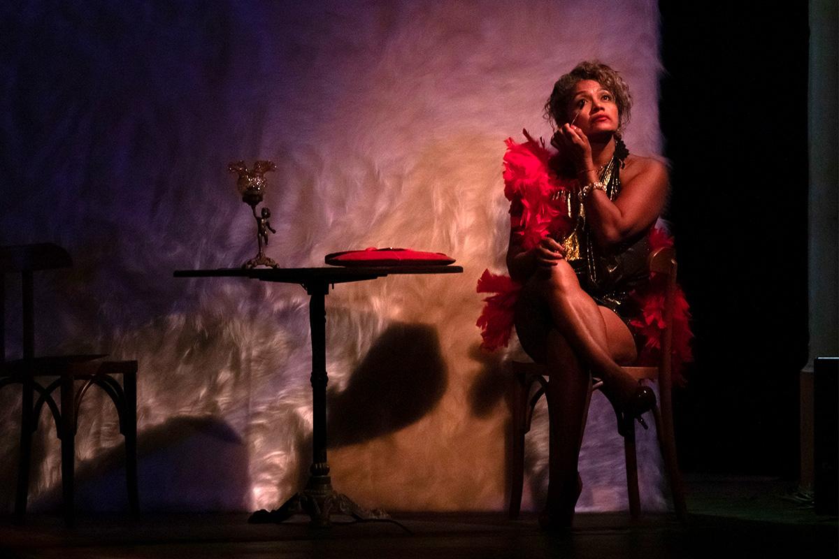 Uma prostituta no palco do Municipal
